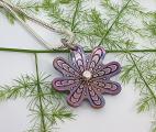 Höstglöd-halsband-blomma-mellan-rosa