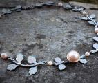 Linnea-necklace-leaf-titanium-freshwaterpearl-pink4